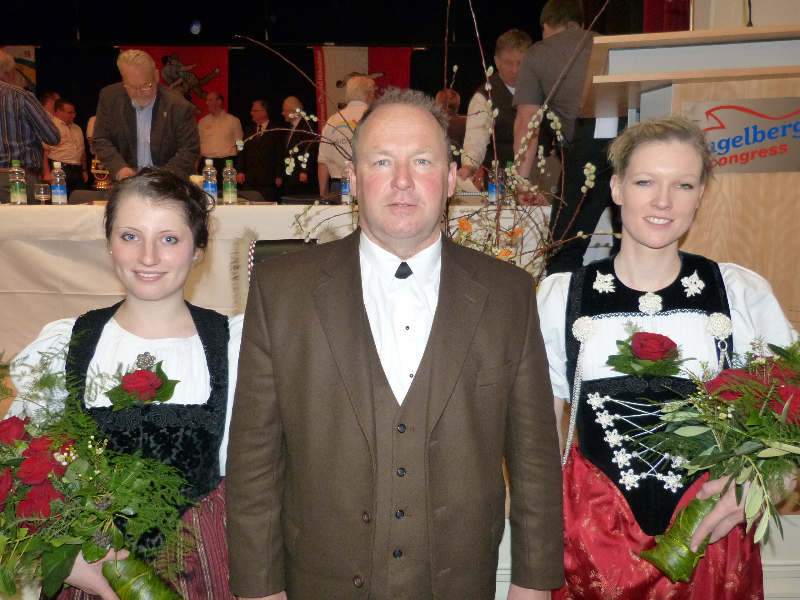 merz-sabrina-aebi-andreas-pfister-karin-von-links-3